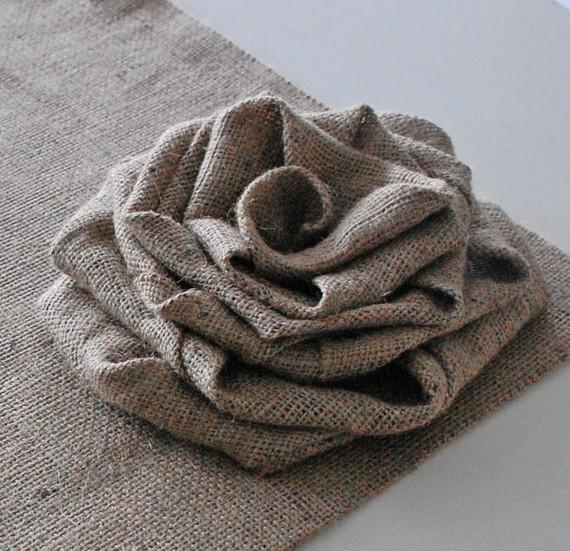 Подушки из мешковины. Роза для украшения подушки